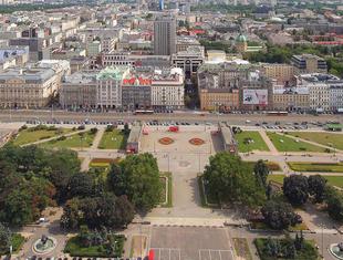 """""""Aorta Warszawy""""? Miasto ogłasza konkurs na park pod Pałacem Kultury"""